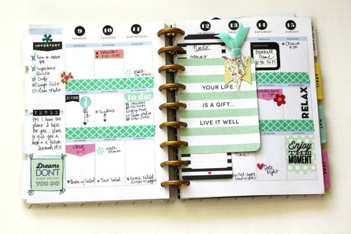 Create+365™+The+Happy+Planner™+March+monthly+&+weekly+spread+by+mambi+Design+Team+member+Jen+Randall+_+me+&+my+BIG+ideas
